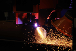 Hypertherm's new shorter torch for HyPerformance HPRXD plasma cutting systems.