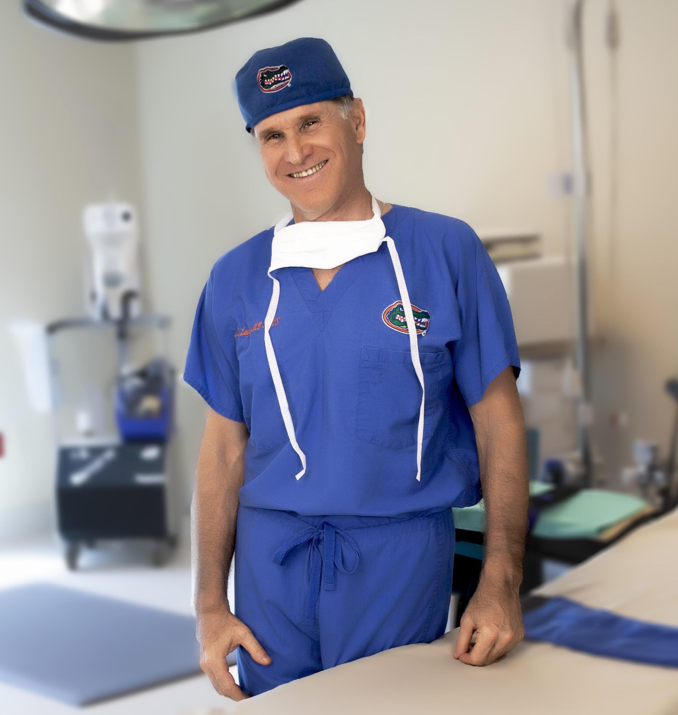 Laufer: Best Of The Bay Nip & Tuck Award 2014 For Plastic Surgeons