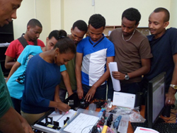 Optoelectronics students of the Addis Ababa Institute of Technology School of Electrical and Computer Engineering work with a Photonics Minilab purchased with their SPIE Education Outreach Grant.