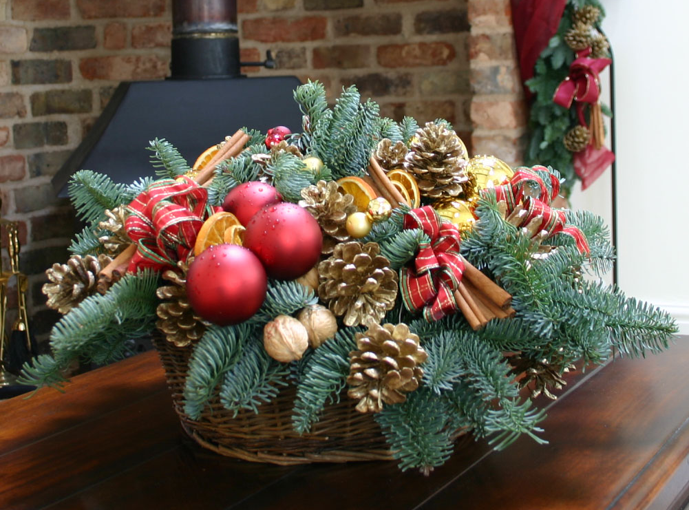 Christmas Flowers By Flowers24Hours That Make The Jolliest