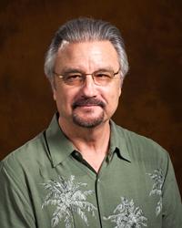 Glendale Community College psychology faculty Dr. René Díaz-Lefebvre earns outstanding lifetime achievement award.