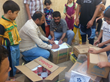 The Iraqi Health Aid Organization (IHAO) and the International Federation for Medical Students in Iraq distributing emergency assistance to displaced Iraqi families (IHAO/November 2014).