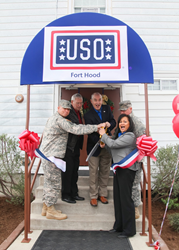 USO-Fort-Hood-ribbon-cutting-ceremony
