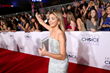 Actresses Sarah Hyland and Ginnifer Goodwin Carry Jill Milan to People's Choice Awards
