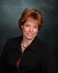 LaRae Dosen RE/MAX Professionals Honored With Platinum Club Award