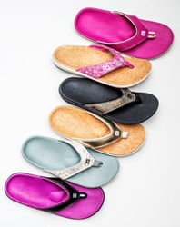 The Yumi combines casual slip-on style with a technically inspired footbed for an unmatched level of comfort and support.