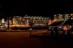 The 7 acre Mirror Lake Inn and its 100,000 lights overlooks the lake