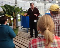 Aquaponics expert, John Pade, explaing the science of aquaponic food production