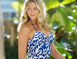 Breast-Enhancing Illusions for swimwear