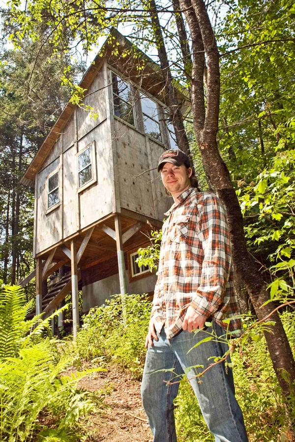 Derek Deek Diedricksen Tiny House BuilderDeek Is Host And Designer For HGTVs TIny Builders