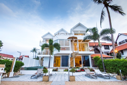 B1 Organic Suites in the heart of Koh Samui's uber-chic Fisherman's Village.