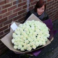 101 roses valentines day flowers same day flowers london florist online gift shop send flowers online to london send flowers uk florist delivery valentines day gifts