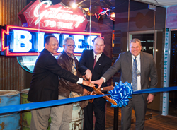 L-R– James Dunn, President, Tunica County Board of Supervisors; George Hunt, Artist; Webster Franklin, President & CEO, Tunica CVB; and R. Scott Barber, Regional President, Caesars Mid-South President, Caesars Mid-South cut the ceremonial grand o