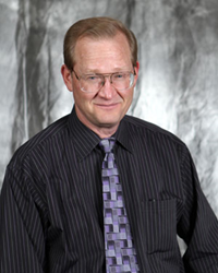 Dr. Leo A. Tokarczyk is a Periodontist in Springfield, MO