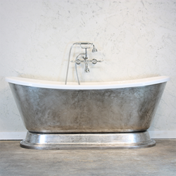 'Gianetta' French Bateau Pedestal Tub by The Tub Studio