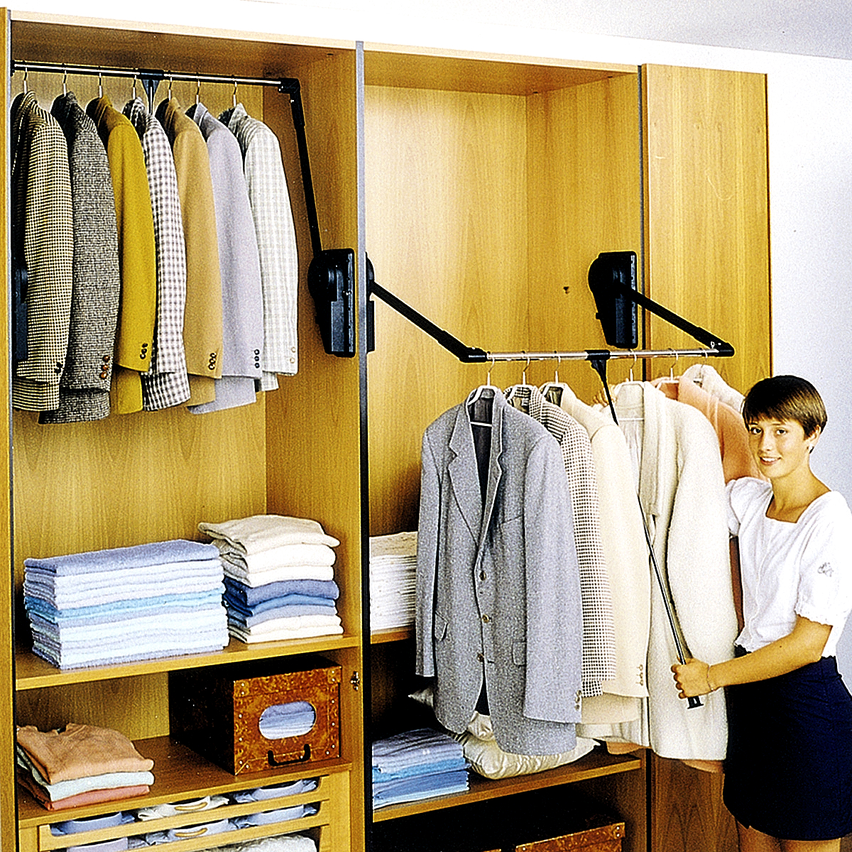 Outwaterus Pull Down Closet Rod With Adjustable Handle