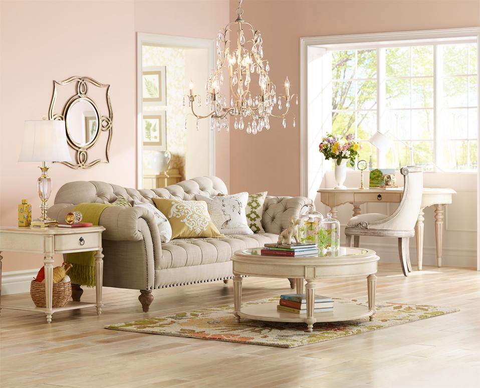 Lamps Plus Hosts Home Decorating Workshops