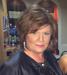 Atlanta Hairstylist Mitzi Lynn