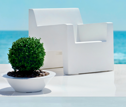 YLiving Outdoor Furniture Event, April 1 – 30, 2015
