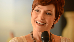 per wickstrom interviews tv and film star carolyn hennesy about