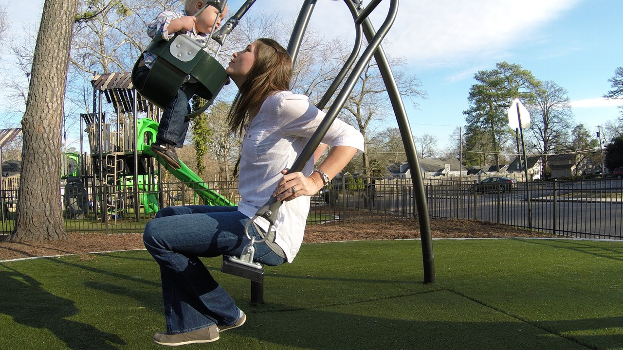 GameTime Releases Face to Face Swing for Adults and