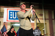 USO and Trace Adkins Take Famous Grand Ole Opry Tradition on Tour to...