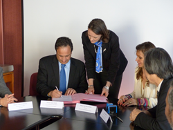 University of New England Signs Agreement with Prestigious French Institution