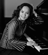 Pianist Lynn Yew Evers