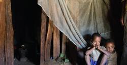 Feyisa Gelan (L) and Zara Gelan (R) residences around Dembel Dildila kebele health post (Ethiopia 2015). Photo: Mulugeta Ayene /UNITAID