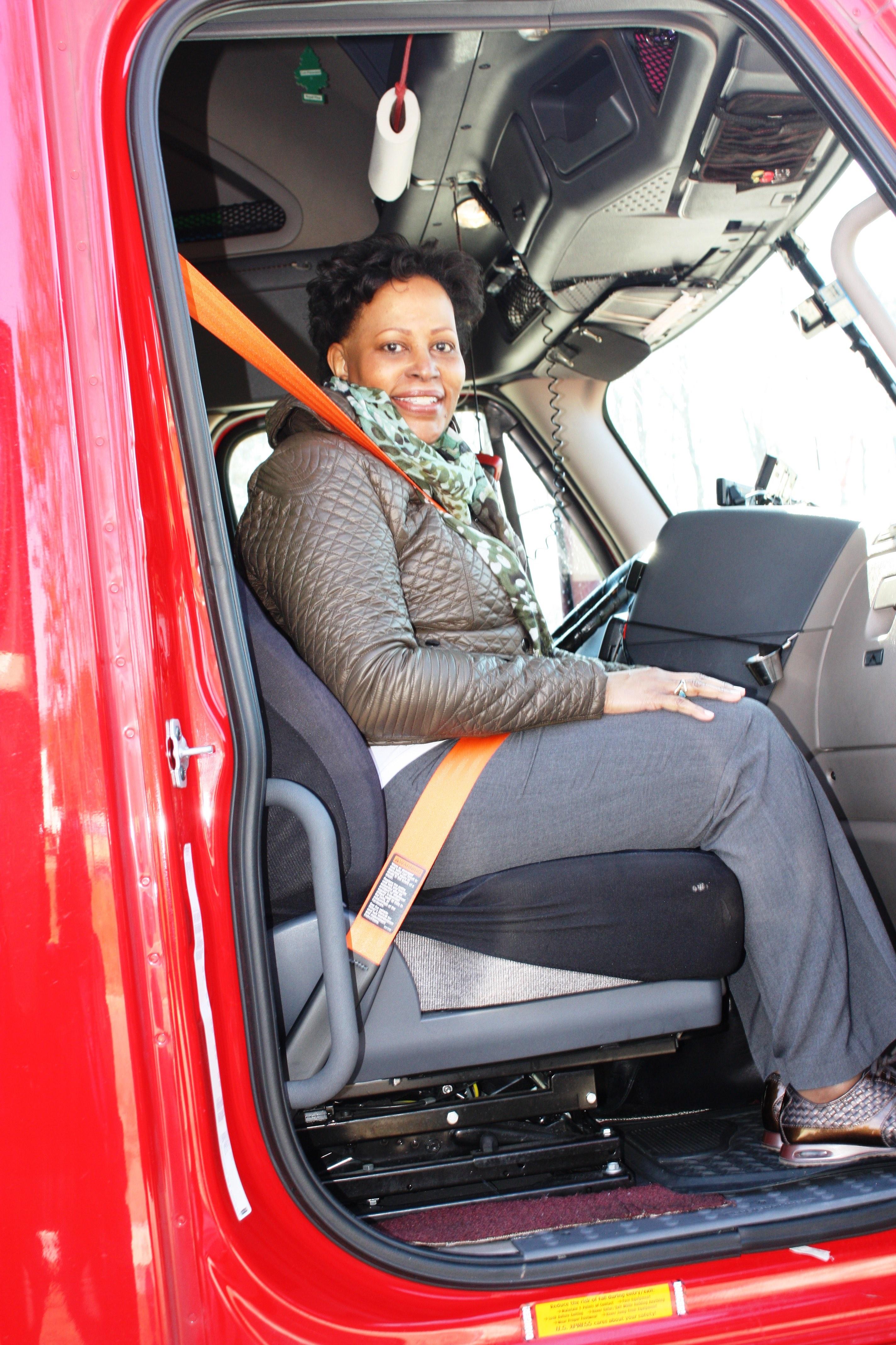 Women In Trucking Association Gives Fmcsa Deputy