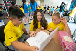 UWCSEA student learning with technology Apple Distinguished School