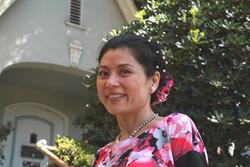 Bestselling author Hellen Chen