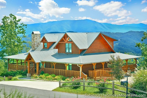 Gatlinburg property management company venture resorts for Rent cabin smoky mountains