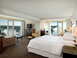 Falls Avenue Resort offers guests unbeatable deals on Niagara Falls summer experiences.