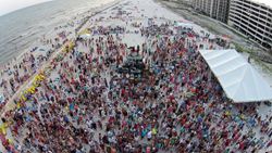 Fans crowd at Shindig on the Sand