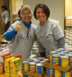 BlumShapiro Employees Volunteer at Annual Food Drive