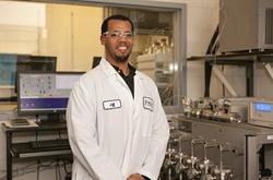 Regis Technologies SFC Purification Lab