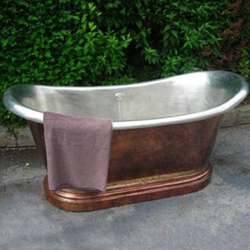 Medicis Copper Free Standing Soaking Tub 0711 from Herbeau