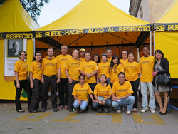 Local Volunteer Ministers led by a team from the Latin American headquarters in Mexico City are providing one-on-one help, workshops and courses at the bright yellow tent, located in front of the Ministry of  Interior in Guatemala City.