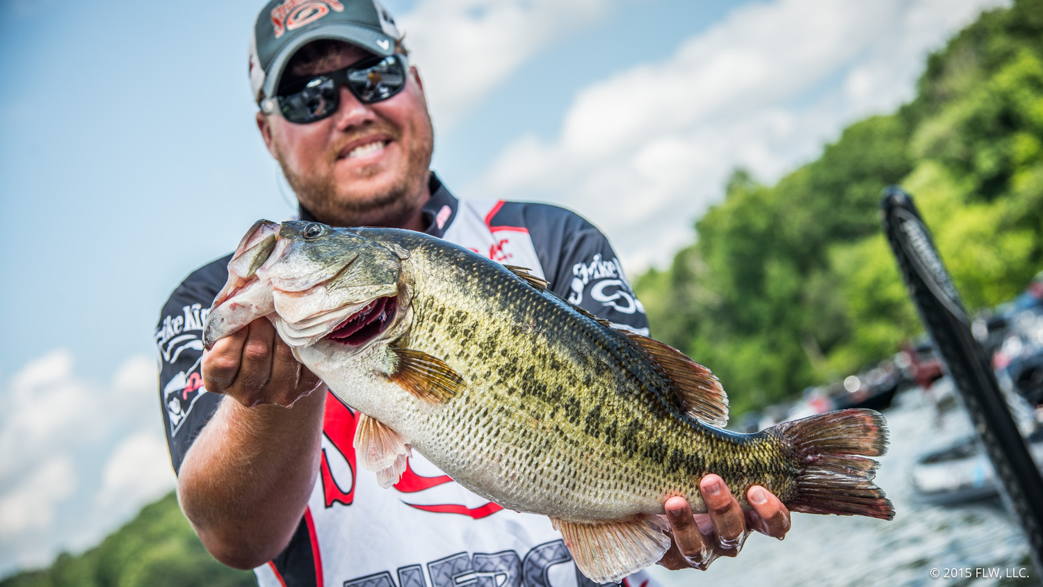 Wooley Takes Lead On Day Two Of Walmart Flw Tour On Lake Chickamauga Presented By Igloo Coolers