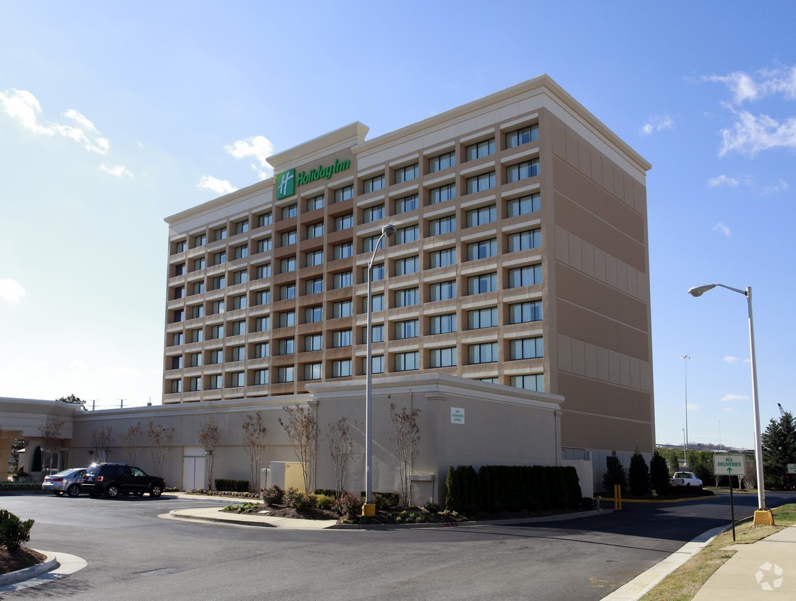 Savills Studley Negotiates Sale Of 197 Room Holiday Inn At
