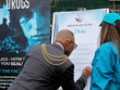 Mayor of Lambeth signs the Drug Free Pledge.