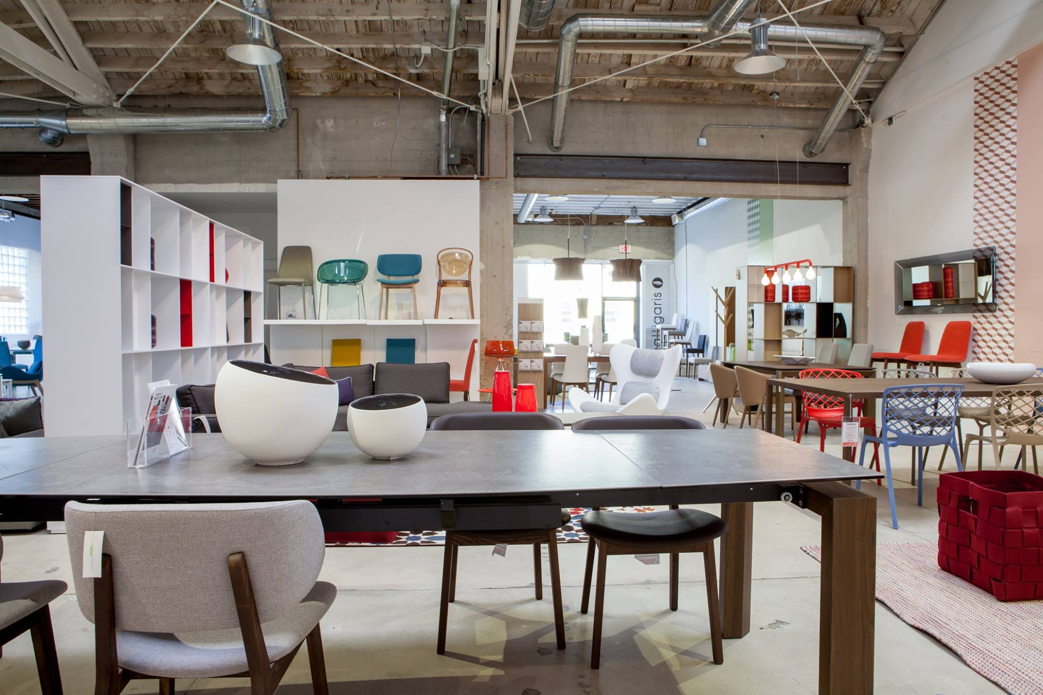 New Modern Contemporary Furniture Store Showroom in Los Angeles