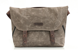 Vitesse Messenger bag—brown waxed canvas