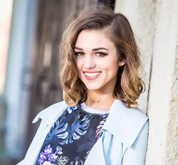 "Sadie Robertson's ""Live Original LIVE"" inspirational gathering at Lipscomb University"