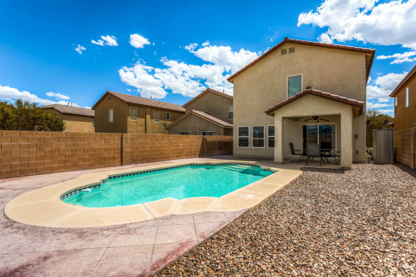 Top realtor lists north las vegas home with swimming pool for Best home swimming pools