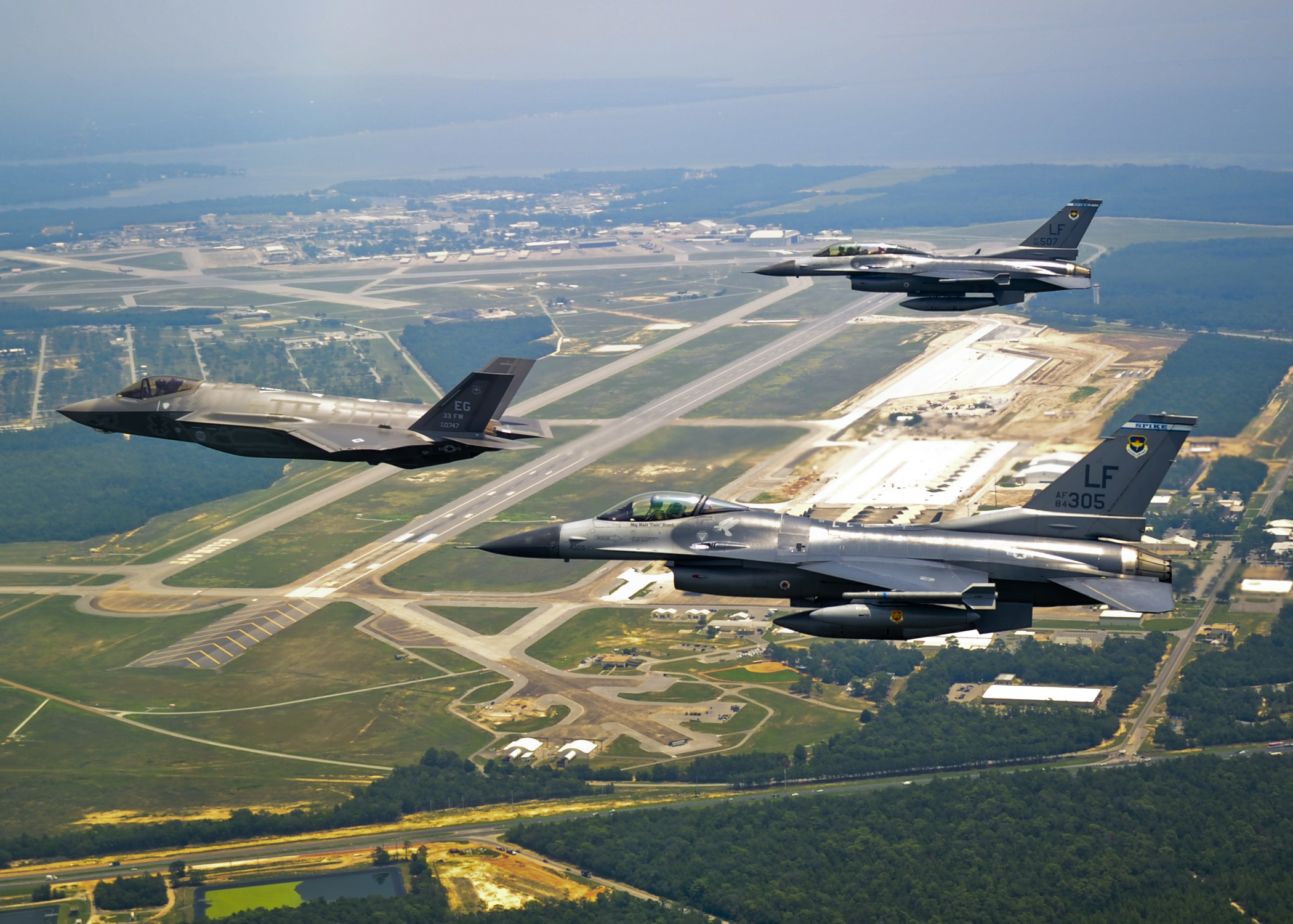 Air Force Awards Lrs Federal Eglin Afb Fence To Fence