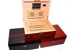 Daniel Marshall 30100 Luxury Cigar Humidor with Built in Tray