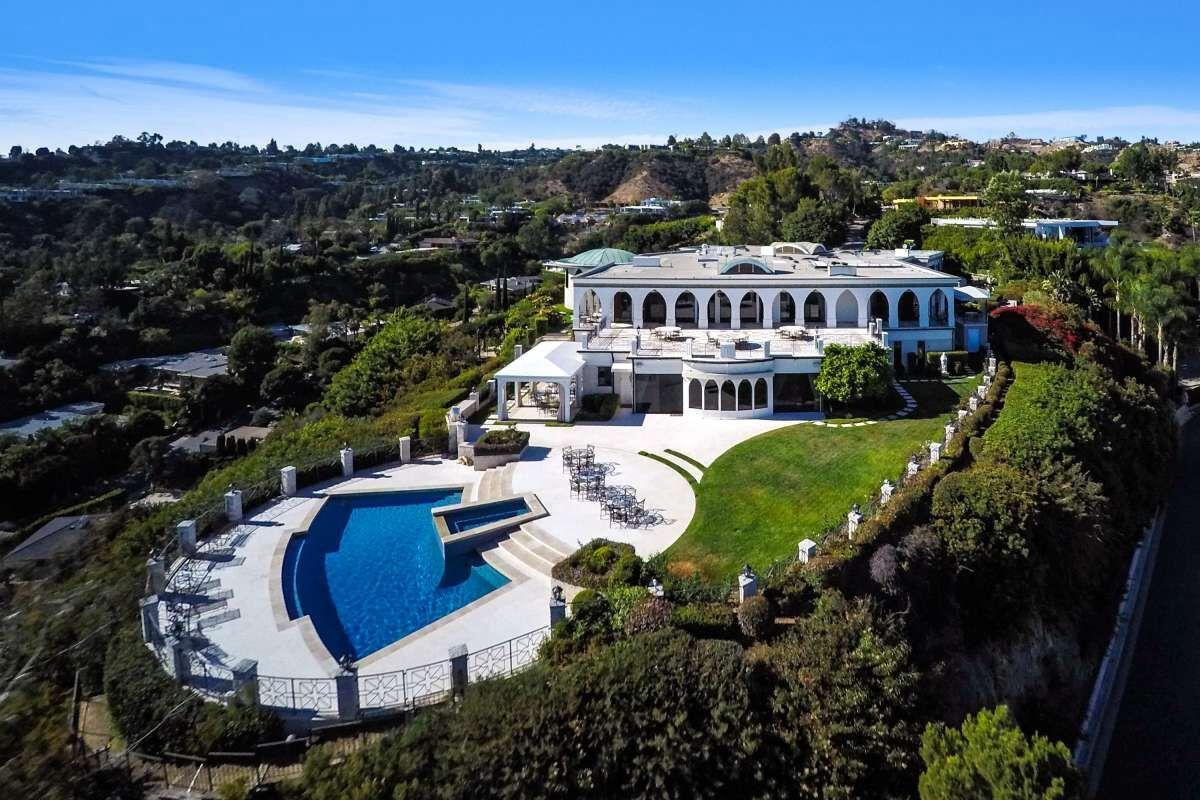 Celebrity homes beverly hills mansion of tv legend danny for Famous homes beverly hills