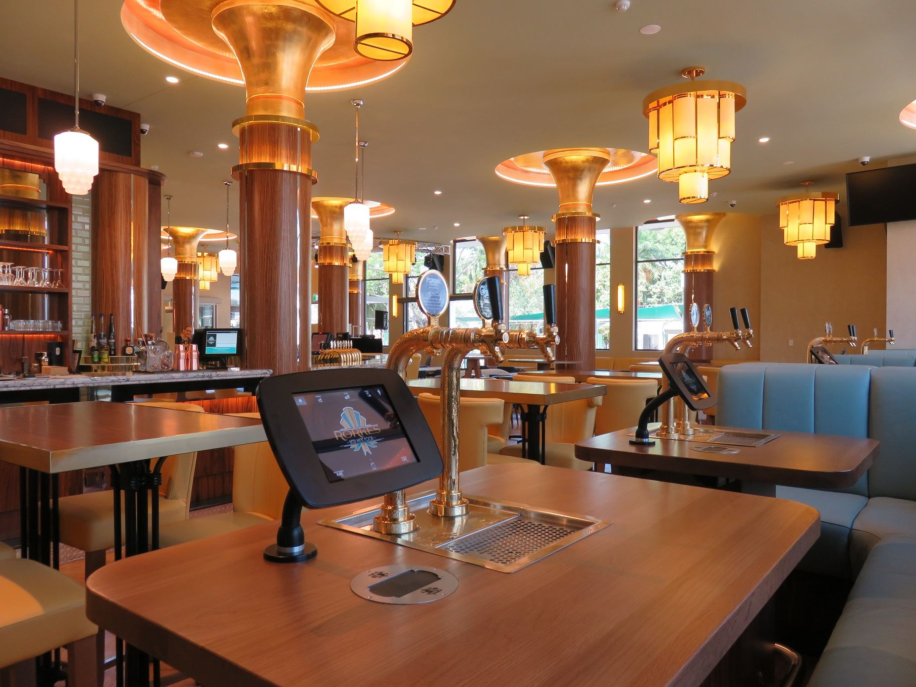 Robot Pub Group Brings Self Service Revolution To